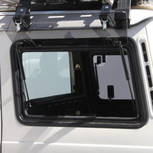 Front Runner Gullwing Fensterscheibe (linke Seite) aus Glas - Mercedes Benz G-Klasse